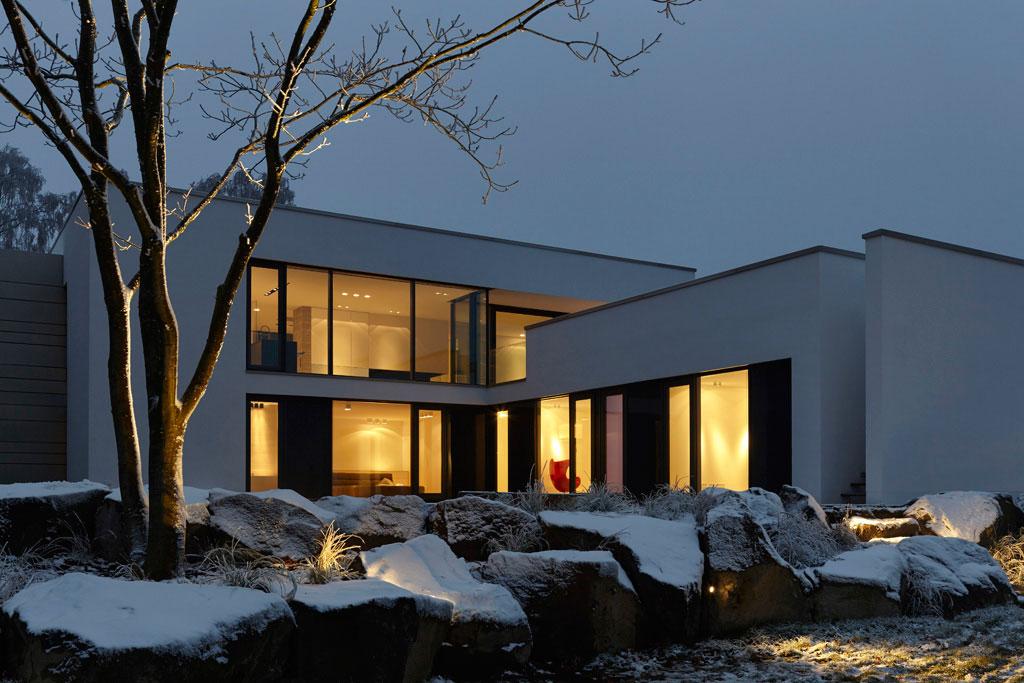 Haus eifel fachwerk4 architekten bda for Modernes haus projekte