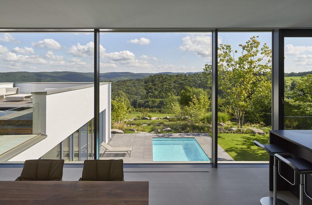 Haus eifel fachwerk4 architekten bda for Einfamilienhaus moderne architektur